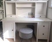 Weißer Schreibtisch mit Aufsatz