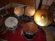 Komplettes Pearl Schlagzeug