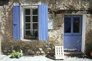 kleines Haus mit Garten in