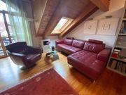 Exklusives Leder-Sofa mit passendem Drehsessel