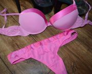 Pinkes Dessous Set mit Satin