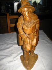 geschnitzte Holzfigur, Figur