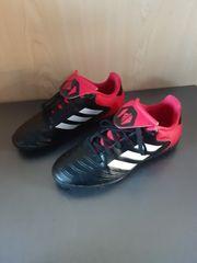 Adidas Fussballschuhe Gr 34 sehr