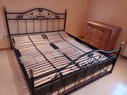 schönes Stahl-Rahmen Bett