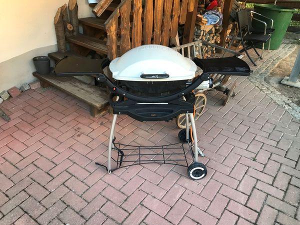 Weber Gasgrill Q100 Grill mit