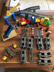 Lego DUPLO Eisenbahn mit viel