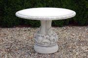 Garten Tisch aus Beton