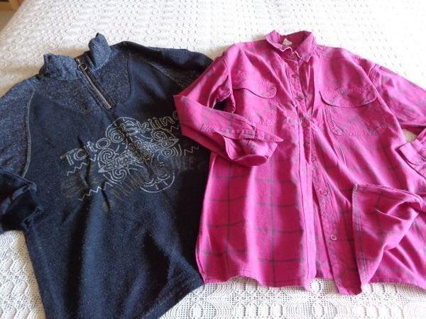 Bekleidungspaket: Sweatshirt und Blusenhemd ca. Gr. S/M bzw. ca. 170/176 - Hamburg Eidelstedt - Bekleidungspaket 9,00 Euro:Mädchenbekleidung oder für junges größeres Mädchen, ca. Gr. 170/176 bzw.ca. Gr. S/M, 1 Sweatshirt, 1 Blusenhemd mit Seitenschlitzen, auch Einzelkaufmöglich, je St. 4,50 Euro, 2 St. kpl. 9,00 Euro, (das - Hamburg Eidelstedt