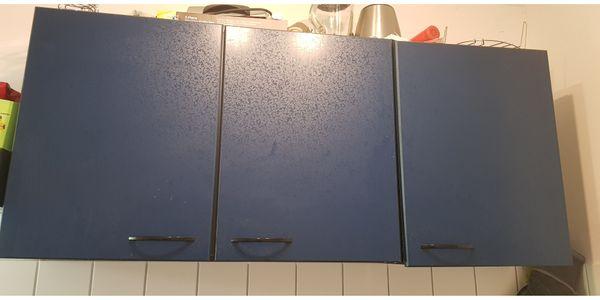 Küchenzeile mit Elektrogeräten (Herd,Kochmulde,Dunstabzugshaube) in ...