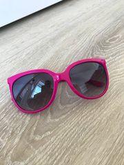 Pinkfarbene Sonnenbrille