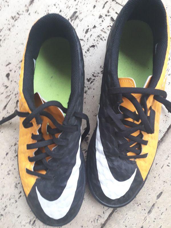 Fussballschuhe Herren Halle Nike Größe
