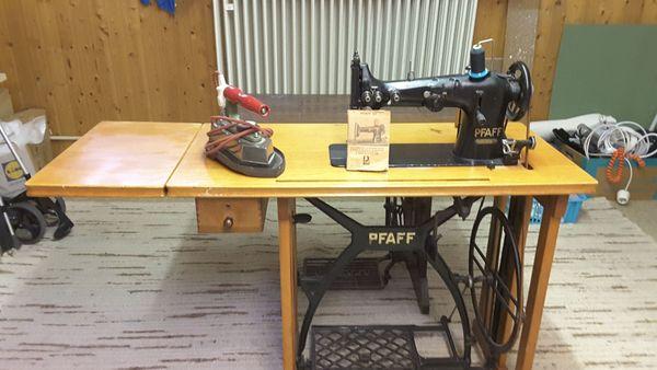 Nähmaschine Pfaff mit Profi- Bügeleisen