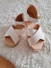 Sandalen Gr 25 weiß von