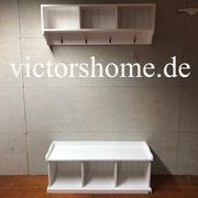 Weisse Landhausgarderobe Garderobenhaken mit Sitzbank