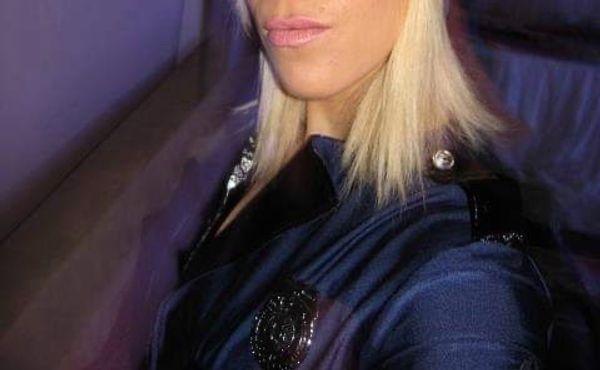 Hot Encounter - Policewoman is looking