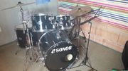Schlagzeug der Marke Sonor