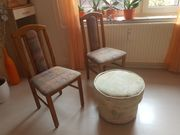 Wegen Sterbefall 2 gepolsterte Holzstühle