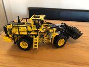 LEGO Technic 42030 Volvo L350F