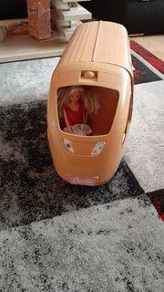 Barbie Zug mit Puppen hoch