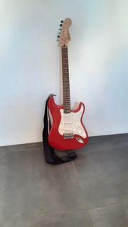 Fender Squier E-Gitarre rot guter