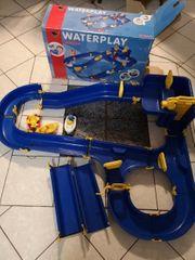Großes Waterplay Aquaplay Niagara von