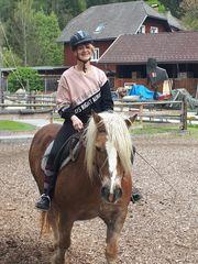 Reiterin sucht Pferd Reitbeteiligung