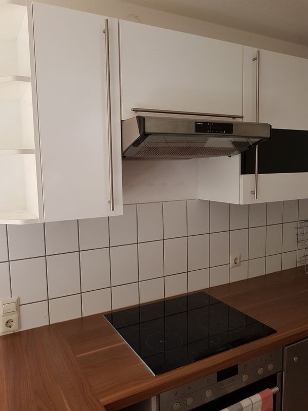 Kuche Weiss L Form In Esslingen Am Neckar Kuchenzeilen