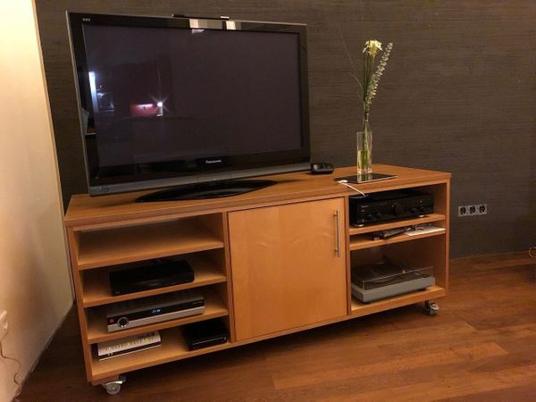 tv und hifi m bel auf rollen 170x60x72cm in feldkirch phono tv videom bel kaufen und. Black Bedroom Furniture Sets. Home Design Ideas