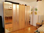 Schlazimmerschrank massiv mit Spiegel