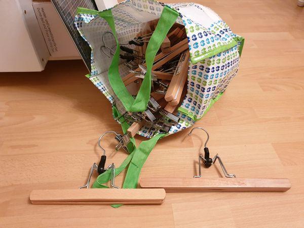 Hosenbügel Hosenspanner aus Holz Marke