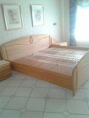 Doppelbett Ehebett Nachtisch Schränkchen