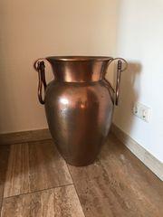 Standvase aus Kupfer