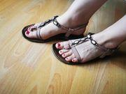 Getragene Sandaletten