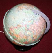 Globus mit Beleuchtung und Schalter