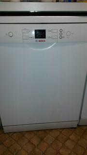 Defekte Spülmaschine zu