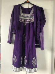 lndische kleider in zwei Farben