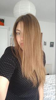 biete kostenlosen Haarschnitt für Frauen