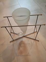 Amphorenglasvase in Gestell