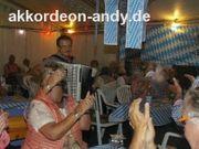 Akkordeonspieler Ihr Spezialist für Oktoberfeste