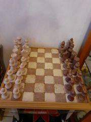 Vollständiges Schachspiel aus Marmor