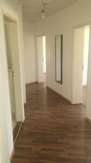 große gutgeschnittene 3 Zimmer Wohnung