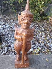 Figur aus Holz