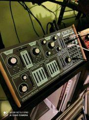 Dreadbox Erebus V3 Synthesizer - wie