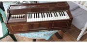 Elektronische Orgel von Magnus