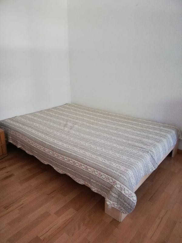 Möbel zu VERSCHENKEN Bett Schrank
