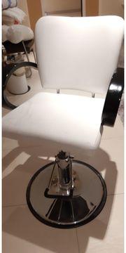 Friseur- Behandlungsstuhl höhenverstellbar