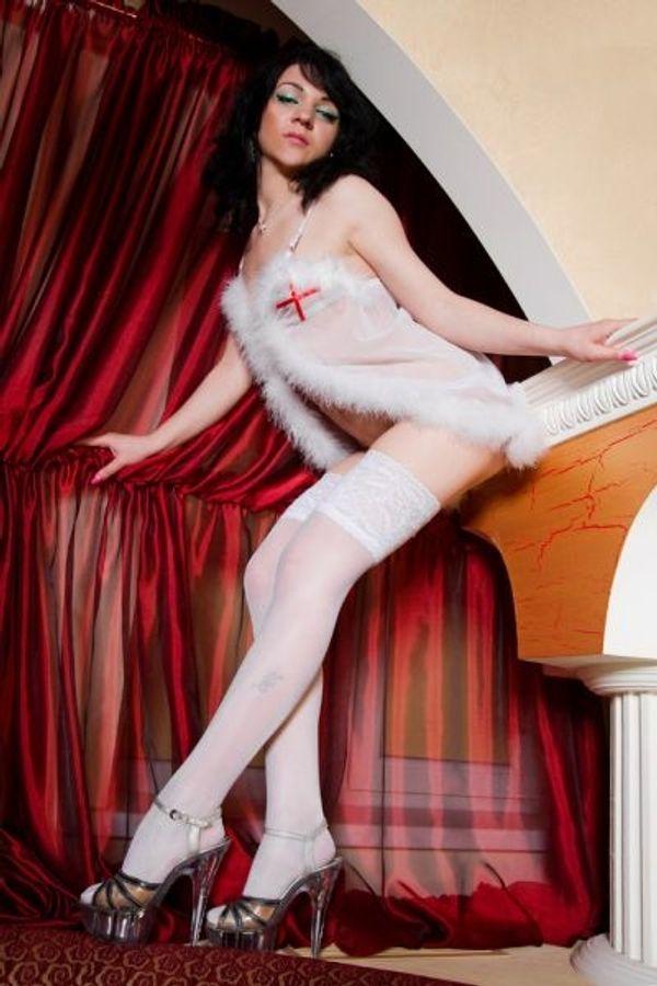 Geile Krankenschwester will deinen Schwanz