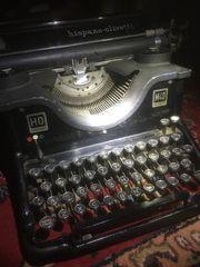 Alte Olivetti Schreibmaschine M40