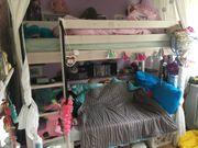 Kinderhochbett mit Kleiderschrank
