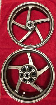 Achtung Neuw Ducati Monster S4